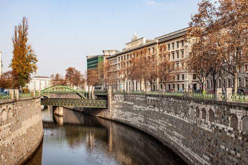 Brücke Wienfluss (c) STADTBEKANNT