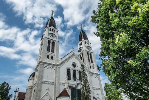 Kirche Neusimmering (c) STADTBEKANNT