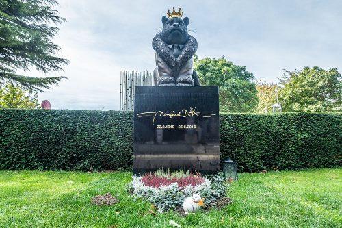 Zentralfriedhof Manfred Deix (c) STADTBEKANNT