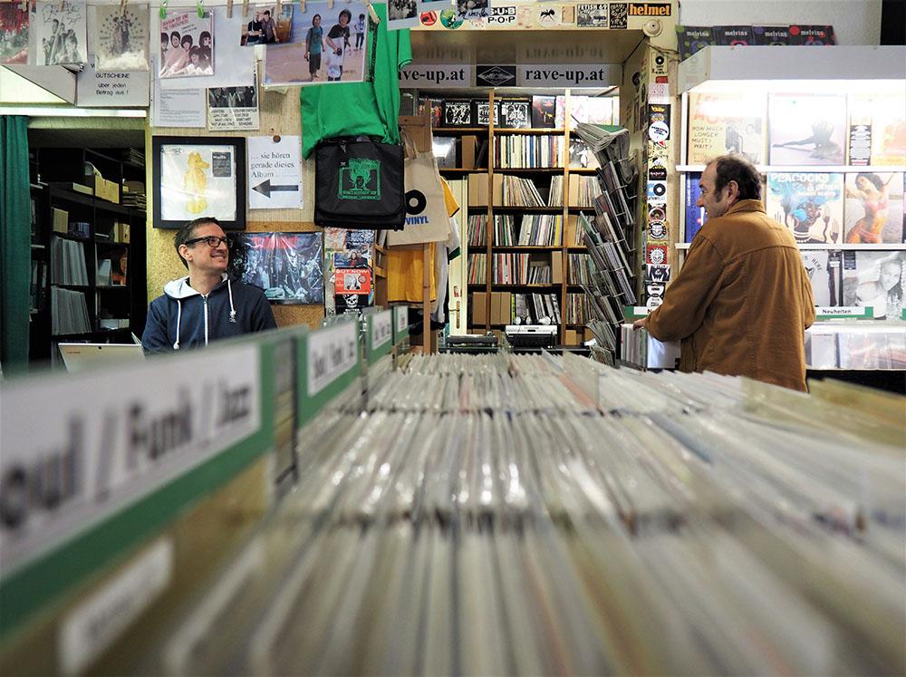 Rave Up Records (c) STADTBEKANNT Setzger