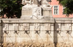 Siebenbrunnenplatz Brunnen (c) STADTBEKANNT