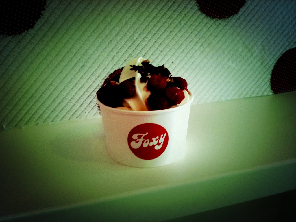Frozen Yogurt (c) Foxy Frozen Yogurt