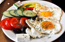 Tewa am Karmelitermarkt Mediterranes Frühstück Foto: STADTBEKANNT