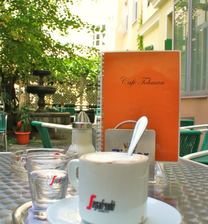 Gastgarten Café Tobman (c) STADTBEKANNT