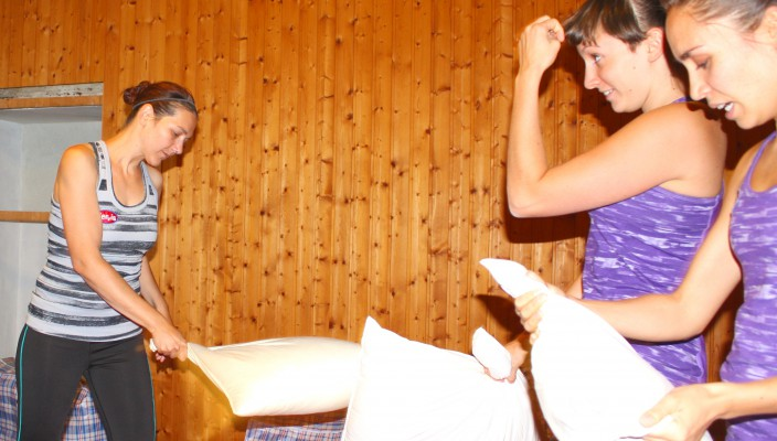 Pillow Fighting 4