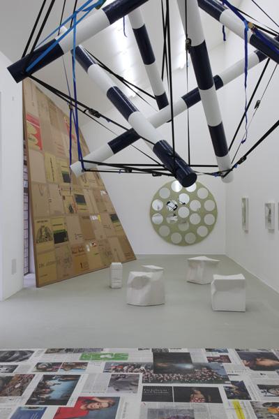 Installationsansicht, kunstraum BERNSTEINER 2011, Foto: Peter Sandbicher