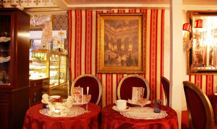 Tische (c) Süssi - Salon de Thé Français