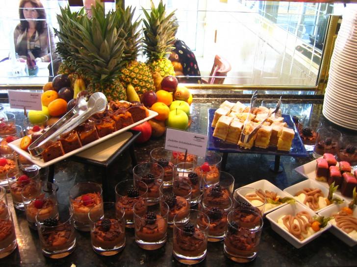 Dessert-Köstlichkeiten - Brunch (c) Marriott-Hotel