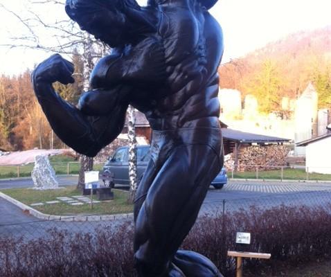 Arnold in Bronze