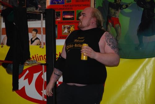 Otto Kringer in Vorbereitung auf den Kampf