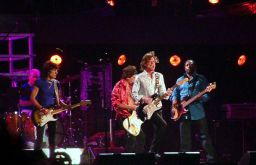 Darryl Jones with The Rolling Stones. (c) Severino