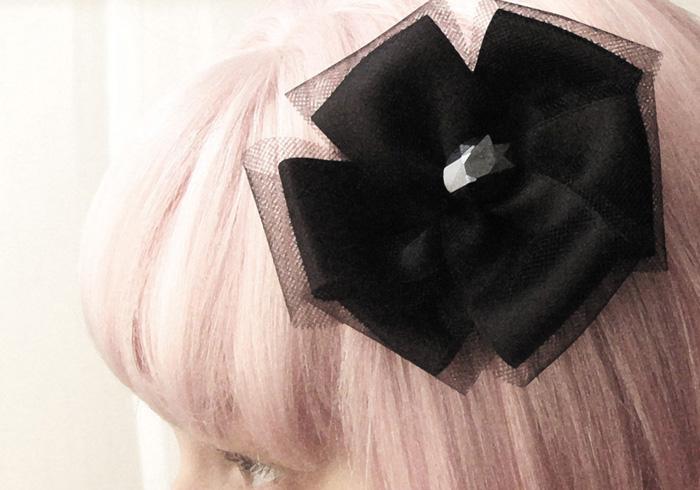 Tüll-Satin-Haarschleife