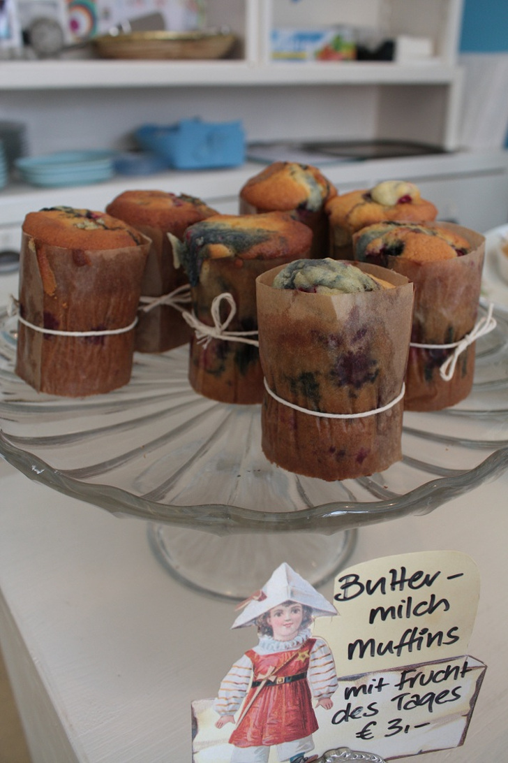 12 munchies Muffins