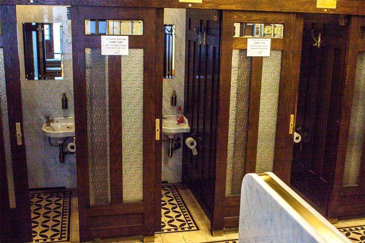 Toilette Damen Graben (c) STADTBEKANNT