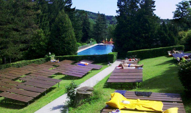 Sommerbad (c) STADTBEKANNT