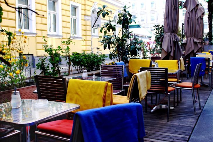 Schanigarten Cafe Amacord (c) stadtbekannt.at