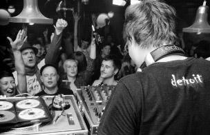 Club und Crowd sind ausschlaggebend für eine gute Party