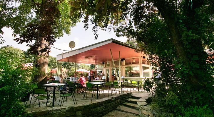 (c) pavillon