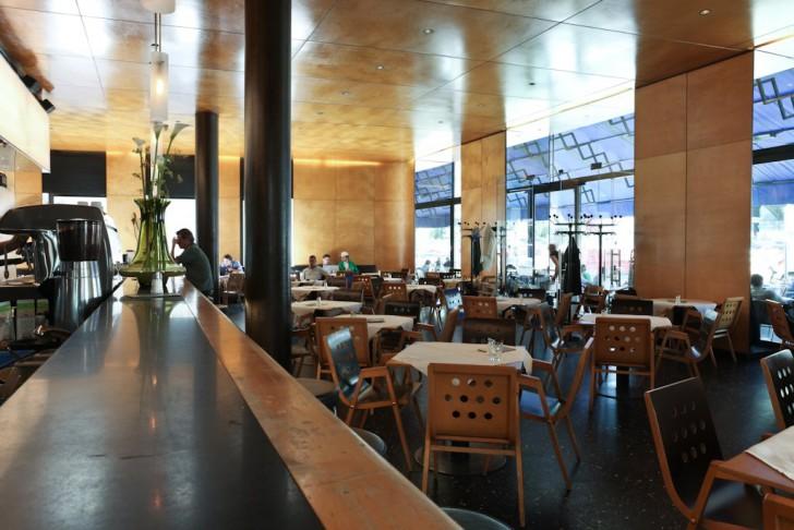 Tische (c) Cafe Blaustern