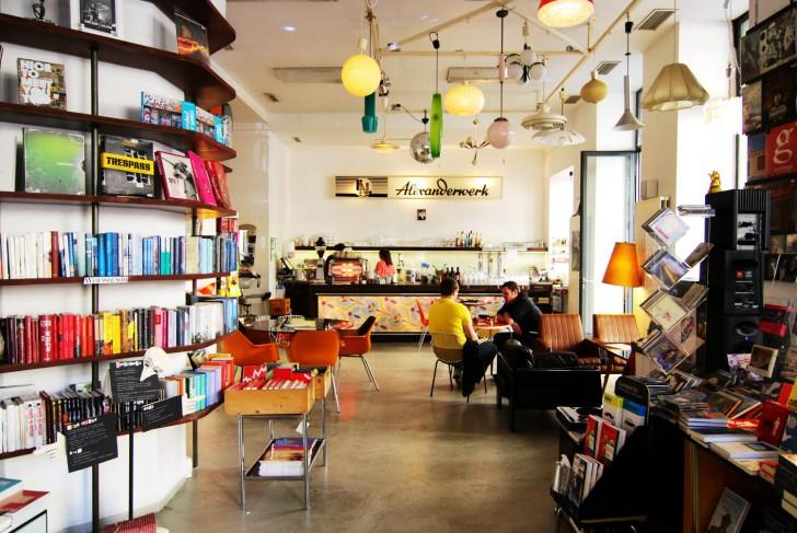 Phil Bar Cafe Buchhandlung (c) Mautner stadtbekannt.at