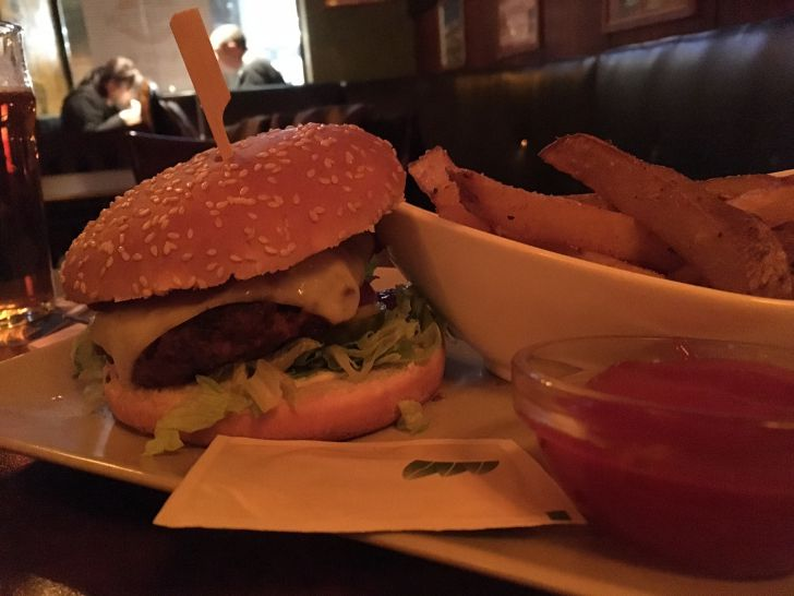 Four Bells Burger (c) STADTBEKANNT