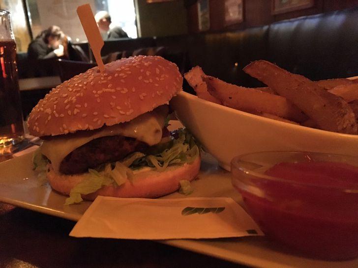 Four Bells Burger (c) STADTBEKANNT