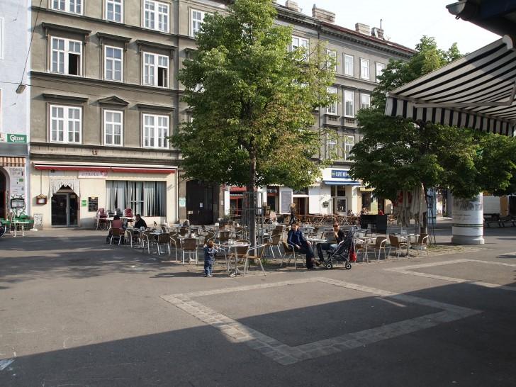 Schanigarten Yppenplatz (c) stadtbekannt.at