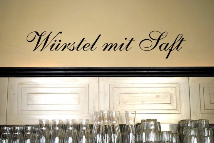 Drechsler Wuerstel (c) stadtbekannt.at