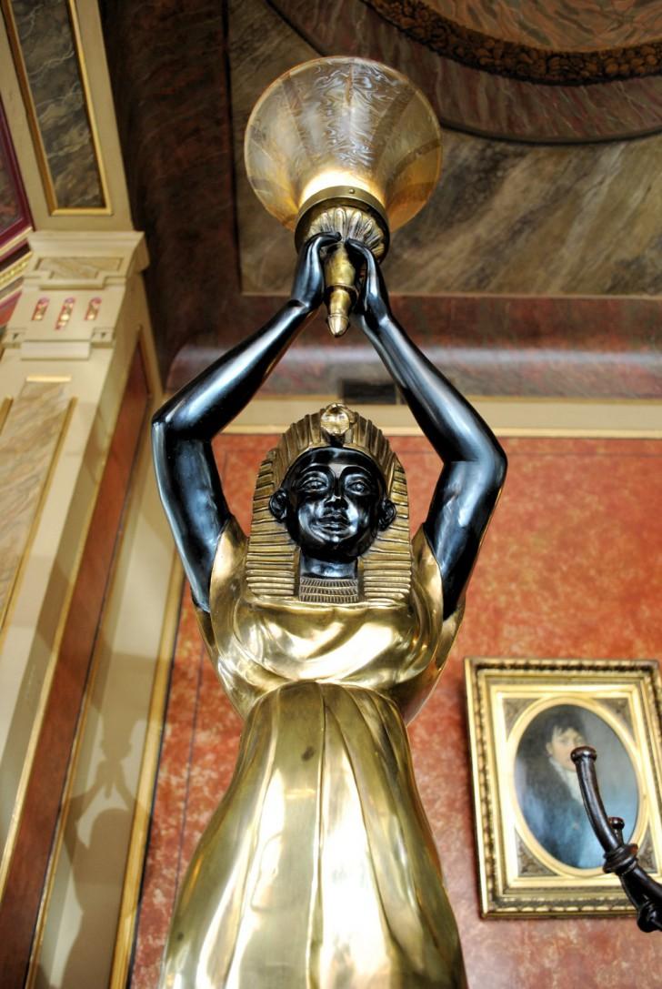 Cafe Savoy Statue (c) Mautner stadtbekannt.at