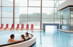 Thermalbecken (c) Therme Wien