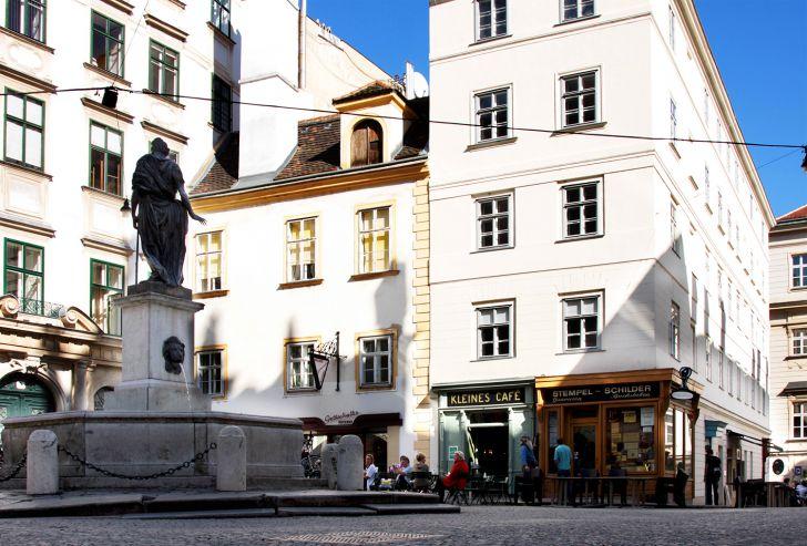 Schanigarten Kleines Cafe (c) stadtbekannt.at