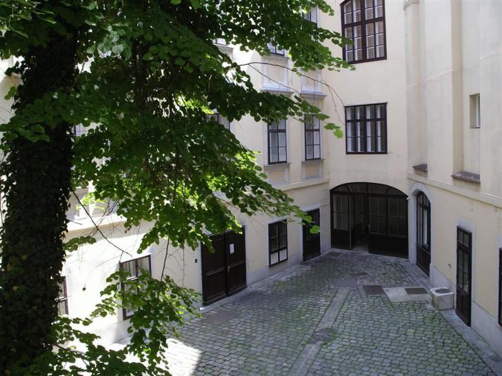 Palais Collalto Innenhof (c) stadtbekannt.at