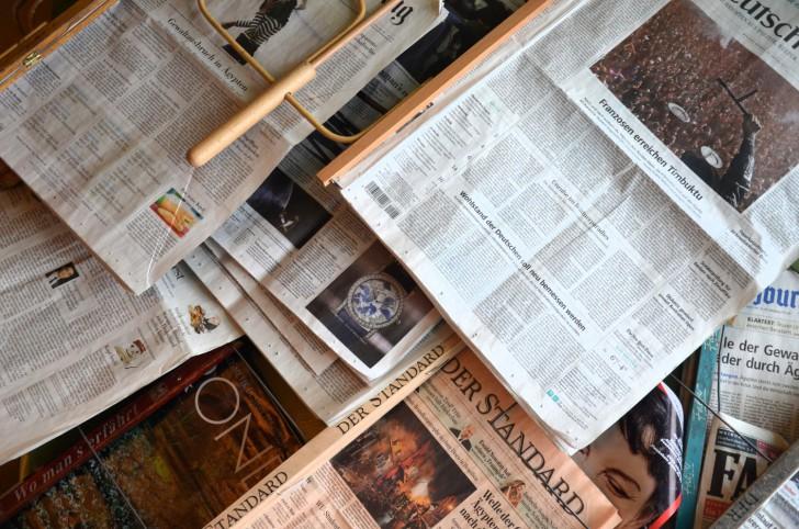 Zeitungen Kleines Cafe (c) STADTBEKANNT