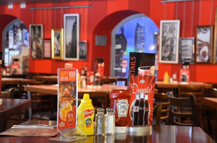 TGI FRIDAYS VIENNA Tisch (c) stadtbekannt.at