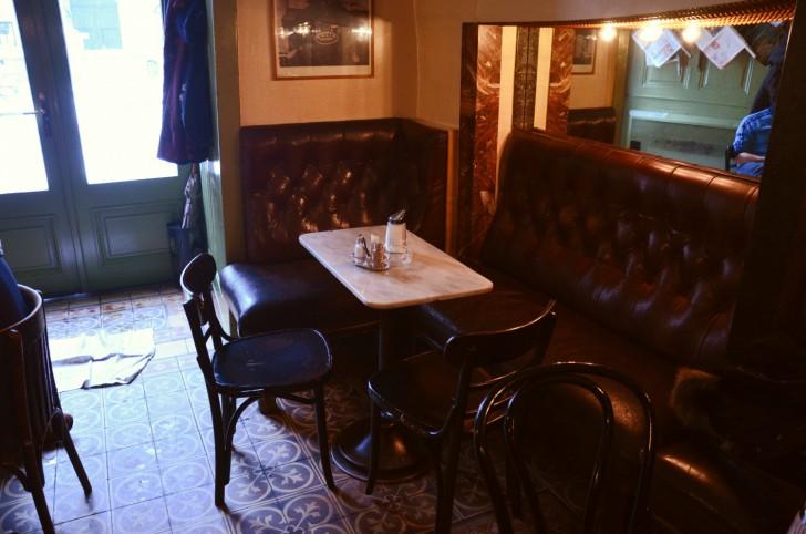 Gastraum Kleines Cafe (c) STADTBEKANNT