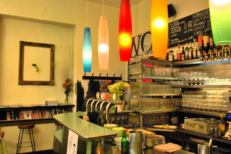 Tel aviv beach in wien wien bars clubs pinterest for Food bar wien