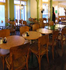 Cafe Nil Sessel (c) stadtbekannt.at