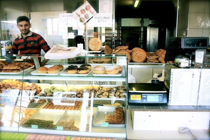 Meidlinger Markt Bäckerei (c) Nohl stadtbekannt.at