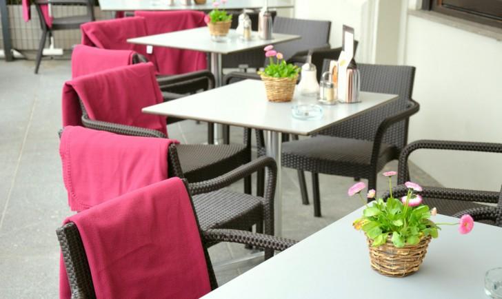 Cafe Mozart Schanigarten (c) stadtbekannt.at