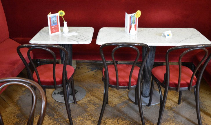Cafe Griensteidl Tische (c) stadtbekannt.at
