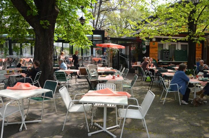 Restaurant Resselpark Gastgarten (c) STADTBEKANNT Mautner