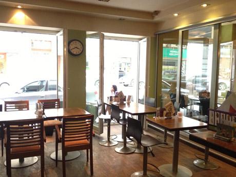 Cafe Cosmopolitan Blick (c) Kovacec / stadtbekannt.at