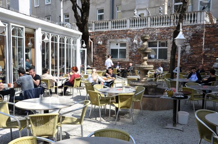 Restaurant Kent Gastgarten (c) Mautner stadtbekannt.at