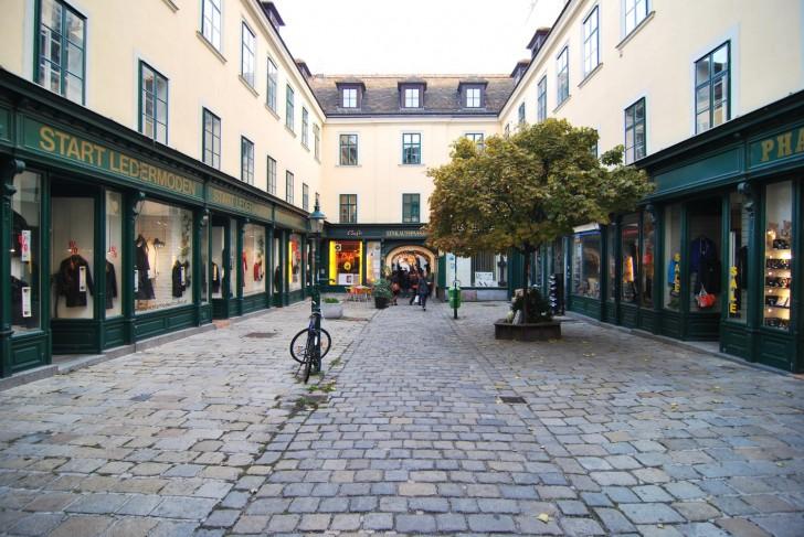 Raimundhof Einkaufspassage (c) Mautner stadtbekannt.at