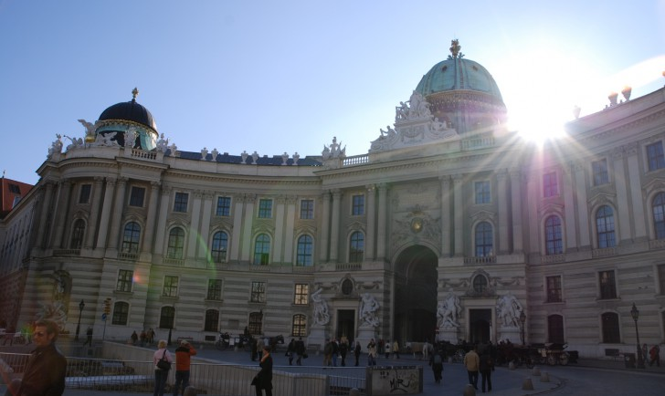 Michaelerplatz Hofburg (c) STADTBEKANNT