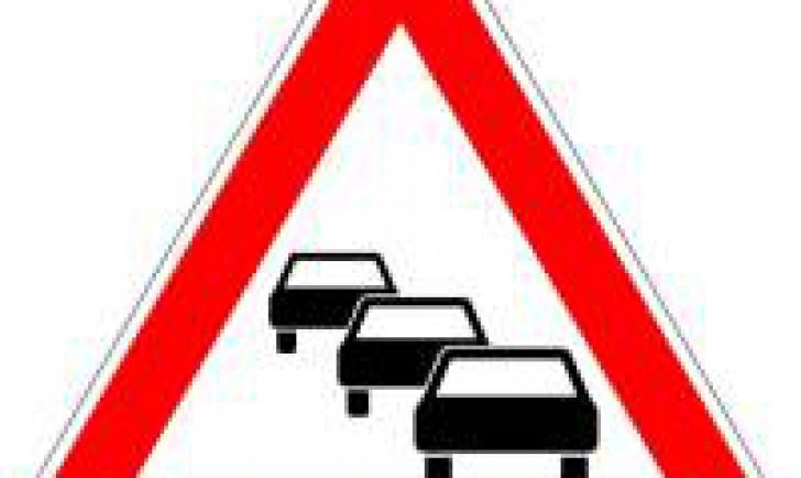 Verkehrszeichen Stau