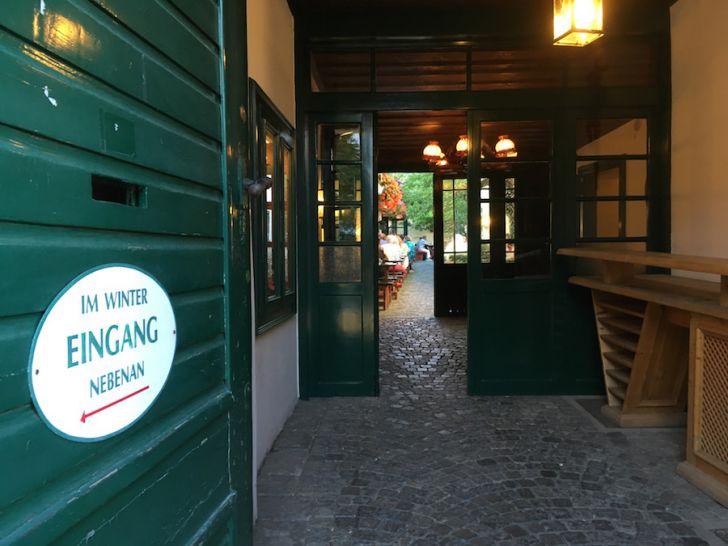 10er Marie Eingang (c) STADTBEKANNT Hofinger