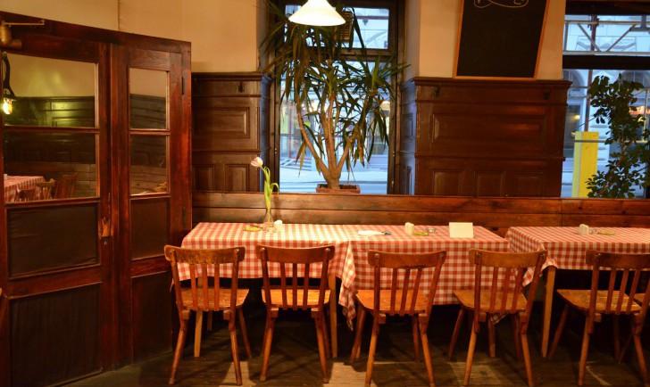 Rebhuhn Tische (c) stadtbekannt.at