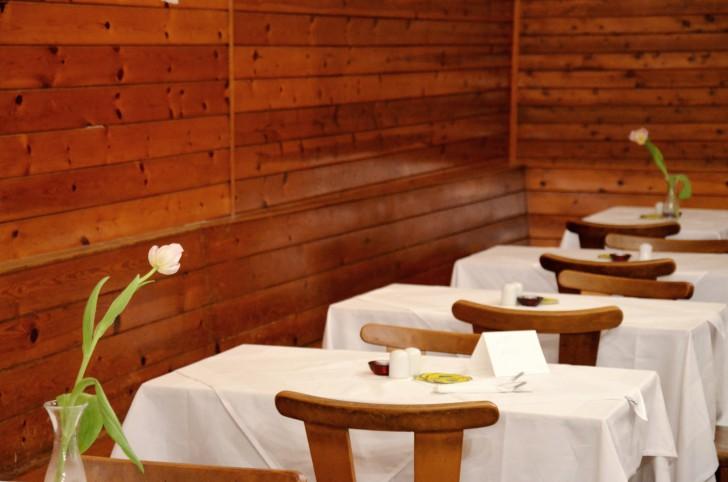 Rebhuhn Tisch (c) stadtbekannt.at