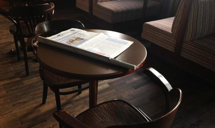 Cafe Raimann Tische (c) stadtbekannt.at